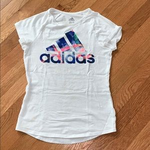 Basic Adidas white tee